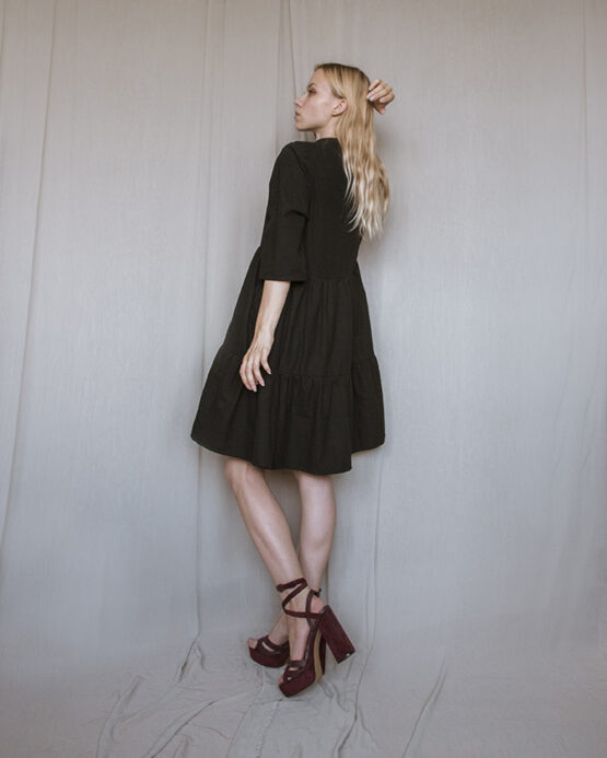 basic-šaty-black-4web
